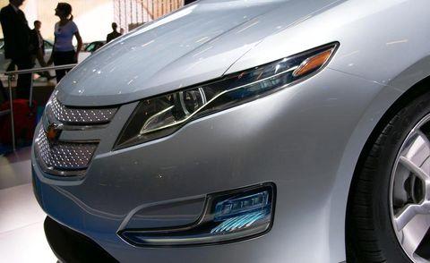Automotive design, Vehicle, Event, Grille, Car, Headlamp, Automotive lighting, Fender, Automotive exterior, Light,