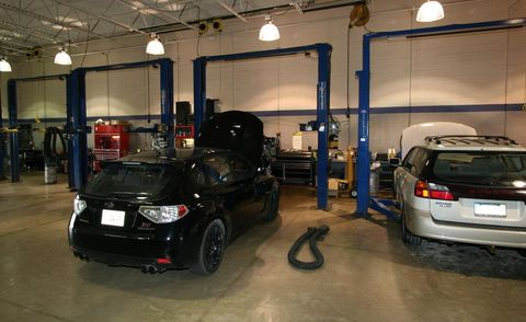 Motor vehicle, Automotive design, Automotive exterior, Lighting, Vehicle, Automotive lighting, Automotive parking light, Land vehicle, Car, Automotive tire,