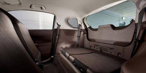 Motor vehicle, Vehicle door, Fixture, Car seat, Head restraint, Car seat cover, Automotive window part, Aerospace manufacturer, Aviation, Leather,