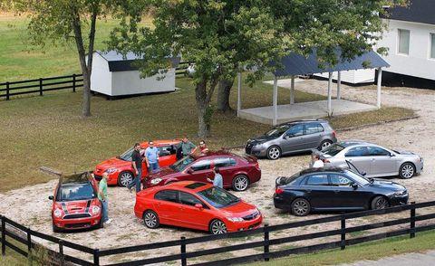 Wheel, Tire, Land vehicle, Vehicle, Automotive parking light, Car, Alloy wheel, Mid-size car, Parking, Rim,
