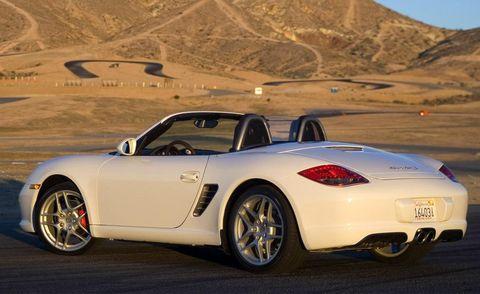 Tire, Wheel, Automotive design, Vehicle, Land vehicle, Rim, Alloy wheel, Car, Mountainous landforms, Performance car,
