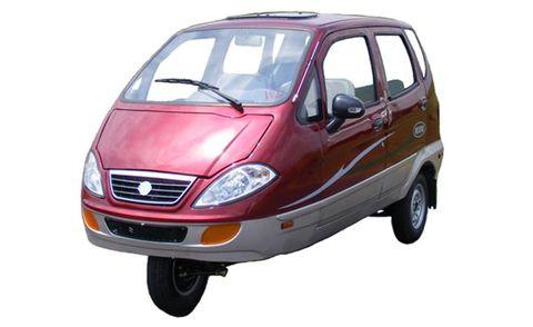 Motor vehicle, Automotive mirror, Mode of transport, Automotive design, Glass, Product, Vehicle, Transport, Automotive parking light, Automotive lighting,