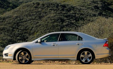 Tire, Wheel, Alloy wheel, Vehicle, Automotive design, Land vehicle, Rim, Spoke, Car, Automotive wheel system,