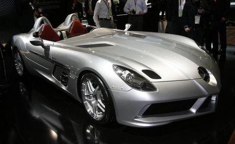Automotive design, Vehicle, Land vehicle, Performance car, Headlamp, Car, Supercar, Sports car, Personal luxury car, Automotive lighting,