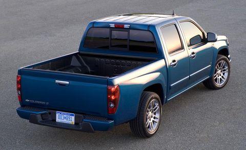 Motor vehicle, Wheel, Tire, Pickup truck, Blue, Automotive design, Automotive exterior, Vehicle, Automotive tire, Truck,