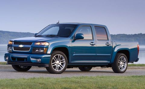 Tire, Wheel, Motor vehicle, Automotive tire, Blue, Automotive mirror, Window, Vehicle, Automotive design, Transport,