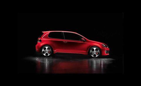 Tire, Motor vehicle, Wheel, Automotive design, Vehicle, Alloy wheel, Car, Rim, Automotive mirror, Automotive lighting,