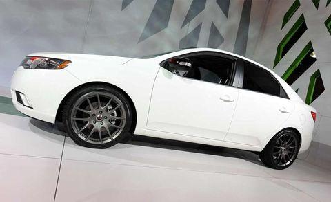 Tire, Wheel, Automotive design, Vehicle, Automotive tire, Alloy wheel, Land vehicle, Rim, Automotive wheel system, Car,