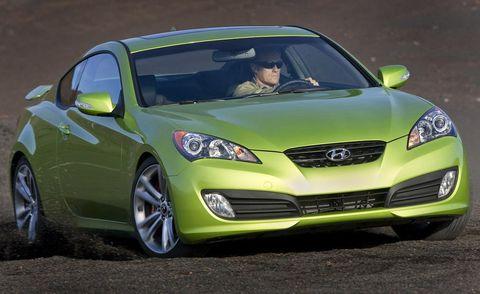 Tire, Motor vehicle, Automotive design, Vehicle, Daytime, Yellow, Land vehicle, Car, Headlamp, Hood,