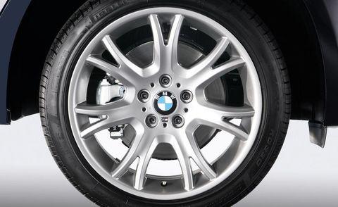 Tire, Wheel, Automotive tire, Alloy wheel, Blue, Automotive wheel system, Spoke, Rim, Automotive design, Synthetic rubber,