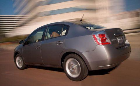 Tire, Wheel, Vehicle, Automotive design, Land vehicle, Automotive tail & brake light, Car, Alloy wheel, Rim, Automotive tire,