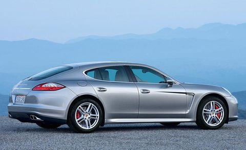 Tire, Wheel, Automotive design, Vehicle, Alloy wheel, Rim, Mountainous landforms, Car, Performance car, Mountain range,