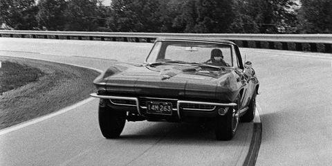 1966 Chevrolet Corvette Stingray 427 –
