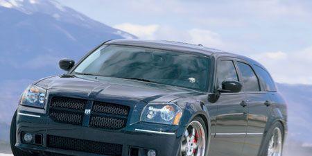 Motor vehicle, Automotive design, Mode of transport, Vehicle, Hood, Transport, Grille, Car, Automotive tire, Automotive lighting,