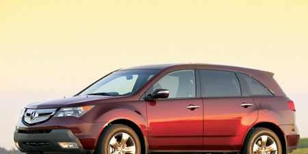 Tire, Wheel, Motor vehicle, Automotive mirror, Product, Automotive design, Vehicle, Glass, Automotive lighting, Transport,