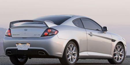 Tire, Wheel, Mode of transport, Automotive design, Automotive tire, Vehicle, Rim, Automotive exterior, Automotive lighting, Automotive wheel system,