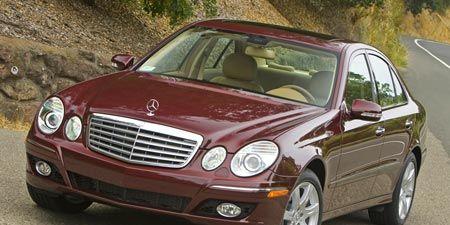 Tire, Mode of transport, Vehicle, Hood, Automotive mirror, Grille, Automotive parking light, Rim, Car, Alloy wheel,