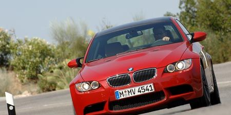 Motor vehicle, Mode of transport, Automotive design, Automotive mirror, Vehicle, Road, Automotive exterior, Hood, Grille, Car,