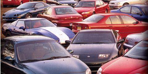 Motor vehicle, Mode of transport, Land vehicle, Vehicle, Automotive mirror, Automotive parking light, Headlamp, Hood, Automotive design, Car,