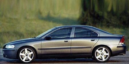 Tire, Wheel, Automotive design, Vehicle, Land vehicle, Car, Rim, Alloy wheel, Full-size car, Mid-size car,