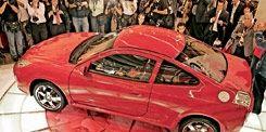 Motor vehicle, Wheel, Tire, Mode of transport, People, Vehicle, Automotive design, Land vehicle, Car, Alloy wheel,