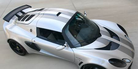 Motor vehicle, Tire, Automotive design, Automotive tire, Automotive exterior, Vehicle, Automotive wheel system, Hood, Rim, Alloy wheel,