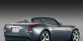 Motor vehicle, Wheel, Mode of transport, Automotive design, Vehicle, Transport, Automotive lighting, Automotive exterior, Automotive mirror, Car,