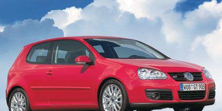 Motor vehicle, Tire, Wheel, Automotive design, Mode of transport, Blue, Automotive mirror, Daytime, Vehicle, Transport,