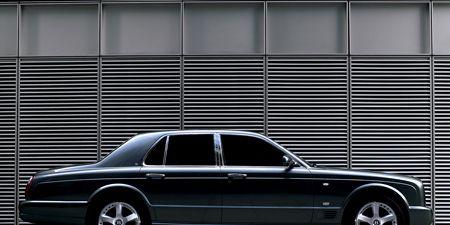Tire, Wheel, Vehicle, Automotive tire, Automotive design, Alloy wheel, Rim, Automotive parking light, Transport, Spoke,