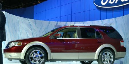Tire, Wheel, Vehicle, Automotive design, Glass, Car, Automotive tire, Rim, Technology, Fender,
