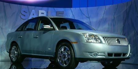 Motor vehicle, Tire, Wheel, Mode of transport, Automotive design, Automotive tire, Product, Vehicle, Automotive mirror, Transport,
