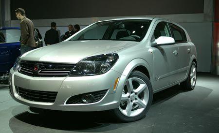 Motor vehicle, Automotive design, Vehicle, Land vehicle, Automotive lighting, Alloy wheel, Car, Rim, Headlamp, Grille,