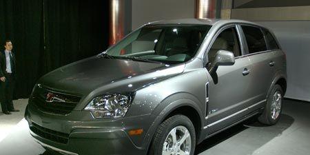 Tire, Motor vehicle, Wheel, Mode of transport, Automotive design, Automotive mirror, Automotive tire, Product, Vehicle, Transport,
