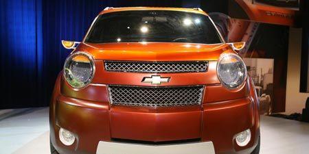 Motor vehicle, Mode of transport, Automotive design, Automotive mirror, Transport, Automotive lighting, Vehicle, Land vehicle, Automotive exterior, Headlamp,