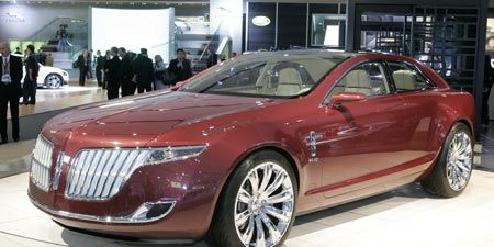 Wheel, Mode of transport, Automotive design, Vehicle, Event, Land vehicle, Car, Personal luxury car, Exhibition, Auto show,