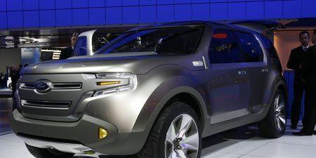 Motor vehicle, Tire, Wheel, Automotive design, Product, Vehicle, Automotive tire, Land vehicle, Car, Automotive lighting,