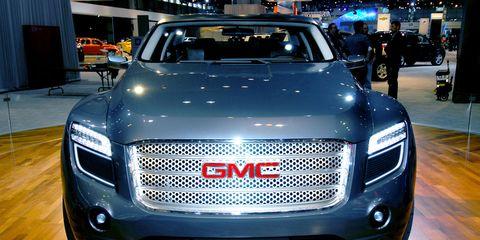 Motor vehicle, Automotive design, Vehicle, Land vehicle, Grille, Car, Automotive lighting, Automotive exterior, Headlamp, Luxury vehicle,