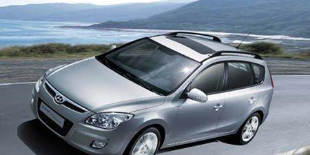 Motor vehicle, Automotive mirror, Tire, Wheel, Mode of transport, Automotive design, Transport, Vehicle, Glass, Automotive tire,