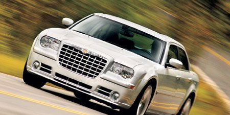 Tire, Motor vehicle, Automotive design, Automotive tire, Vehicle, Land vehicle, Road, Transport, Automotive exterior, Hood,