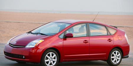 Tire, Wheel, Motor vehicle, Automotive mirror, Mode of transport, Automotive design, Transport, Vehicle, Vehicle door, Car,