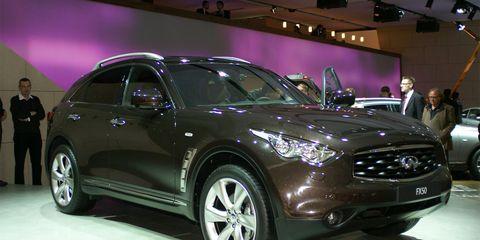 Tire, Wheel, Motor vehicle, Automotive design, Vehicle, Land vehicle, Event, Car, Headlamp, Automotive tire,