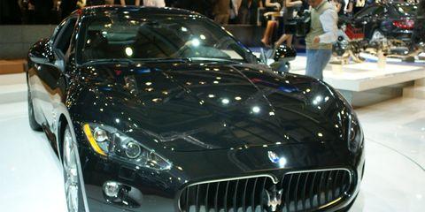 Automotive design, Vehicle, Land vehicle, Grille, Car, Performance car, Personal luxury car, Maserati, Hood, Auto show,