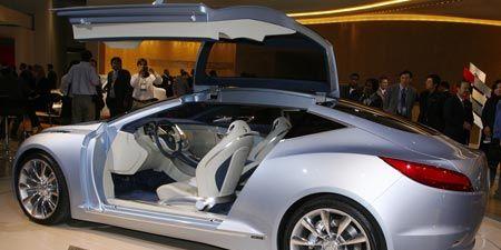 Wheel, Tire, Automotive design, Mode of transport, Vehicle, Car, Vehicle door, Alloy wheel, Fender, Personal luxury car,