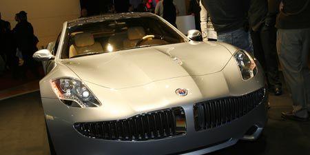 Motor vehicle, Automotive design, Vehicle, Hood, Land vehicle, Event, Headlamp, Grille, Automotive exterior, Car,