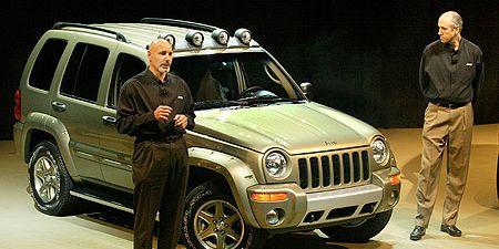 Tire, Wheel, Motor vehicle, Automotive tire, Automotive design, Vehicle, People, Land vehicle, Headlamp, Hood,