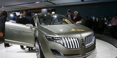 Product, Vehicle, Event, Automotive design, Grille, Car, Auto show, Exhibition, Technology, Luxury vehicle,