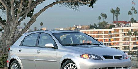 Tire, Wheel, Motor vehicle, Automotive mirror, Daytime, Vehicle, Transport, Land vehicle, Automotive lighting, Alloy wheel,