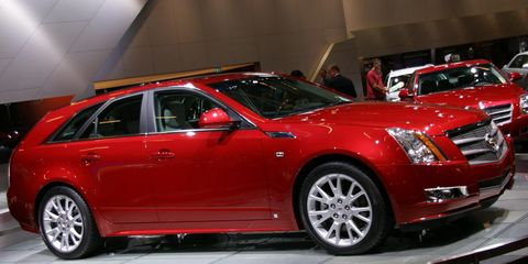 Tire, Wheel, Automotive design, Vehicle, Land vehicle, Car, Rim, Alloy wheel, Grille, Full-size car,