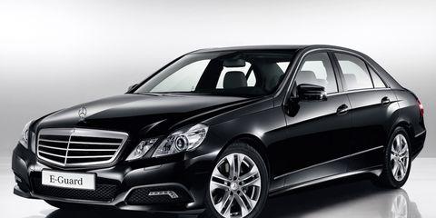 Tire, Wheel, Motor vehicle, Mode of transport, Automotive design, Vehicle, Transport, Automotive lighting, Land vehicle, Spoke,