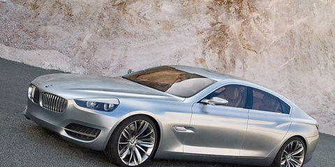Tire, Automotive design, Mode of transport, Vehicle, Alloy wheel, Rim, Car, Spoke, Hood, Automotive tire,